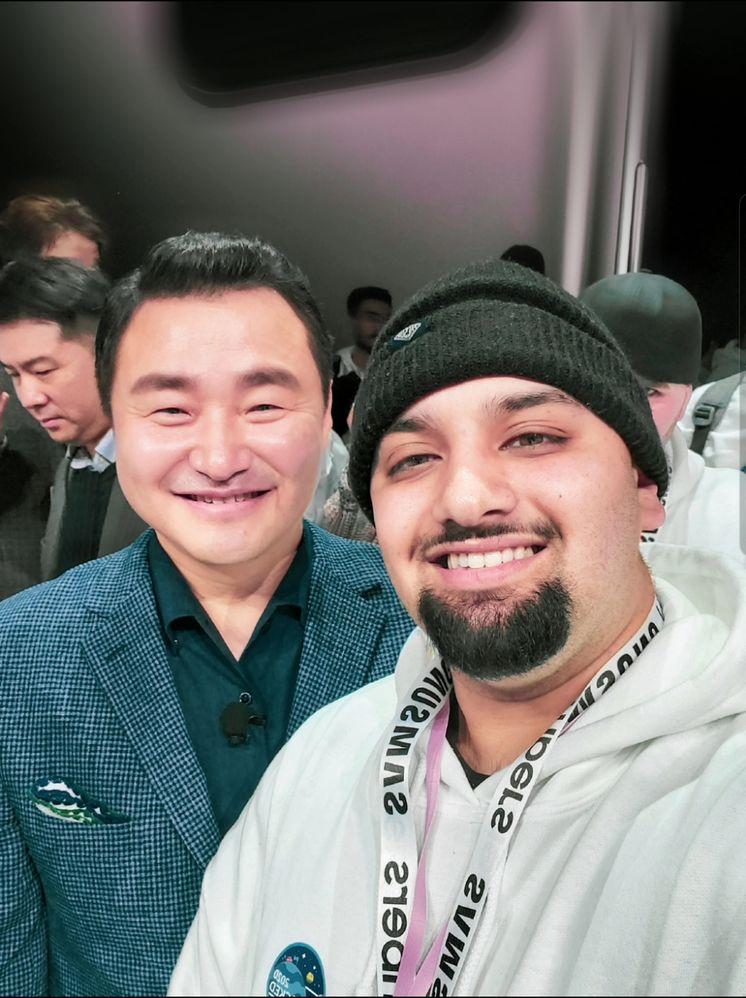 Samsung Mobile CEO Rao Tae-Moon and Rydah
