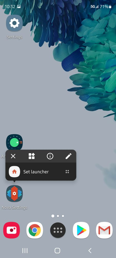 """First, you'll need to download the """"nova launcher"""" app. Hold down the app icon until you get the additional settings to pop up (as pictured above). Now click on the tiles icon next to the """"x""""."""